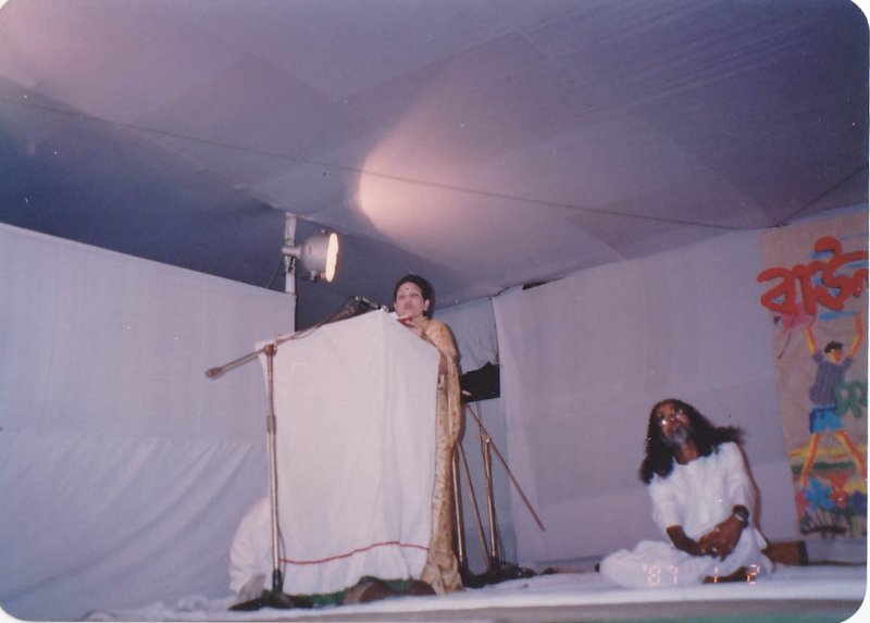 addressing-in-a-baul-mela-at-dhaka-1995