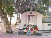 22222-santiniketan-chaiti-bari-clay-made-home-with-my-little-friends-in-1985