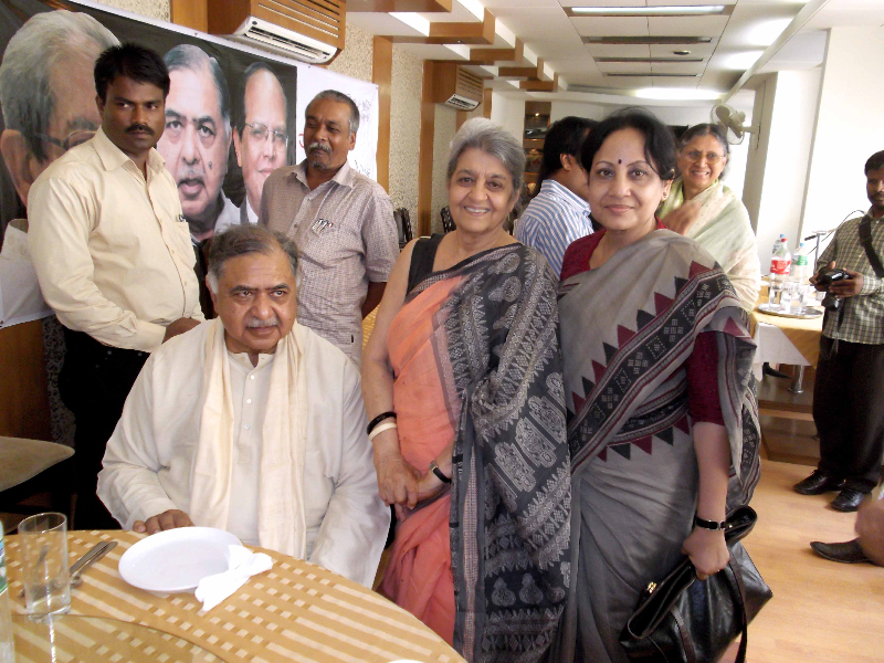 with-dr-kamal-and-hamida-hossain-in-a-programaug-2012