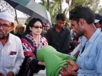 relief-distribution-in-a-coastal-area-of-bangladesh-after-cyclone-sidr